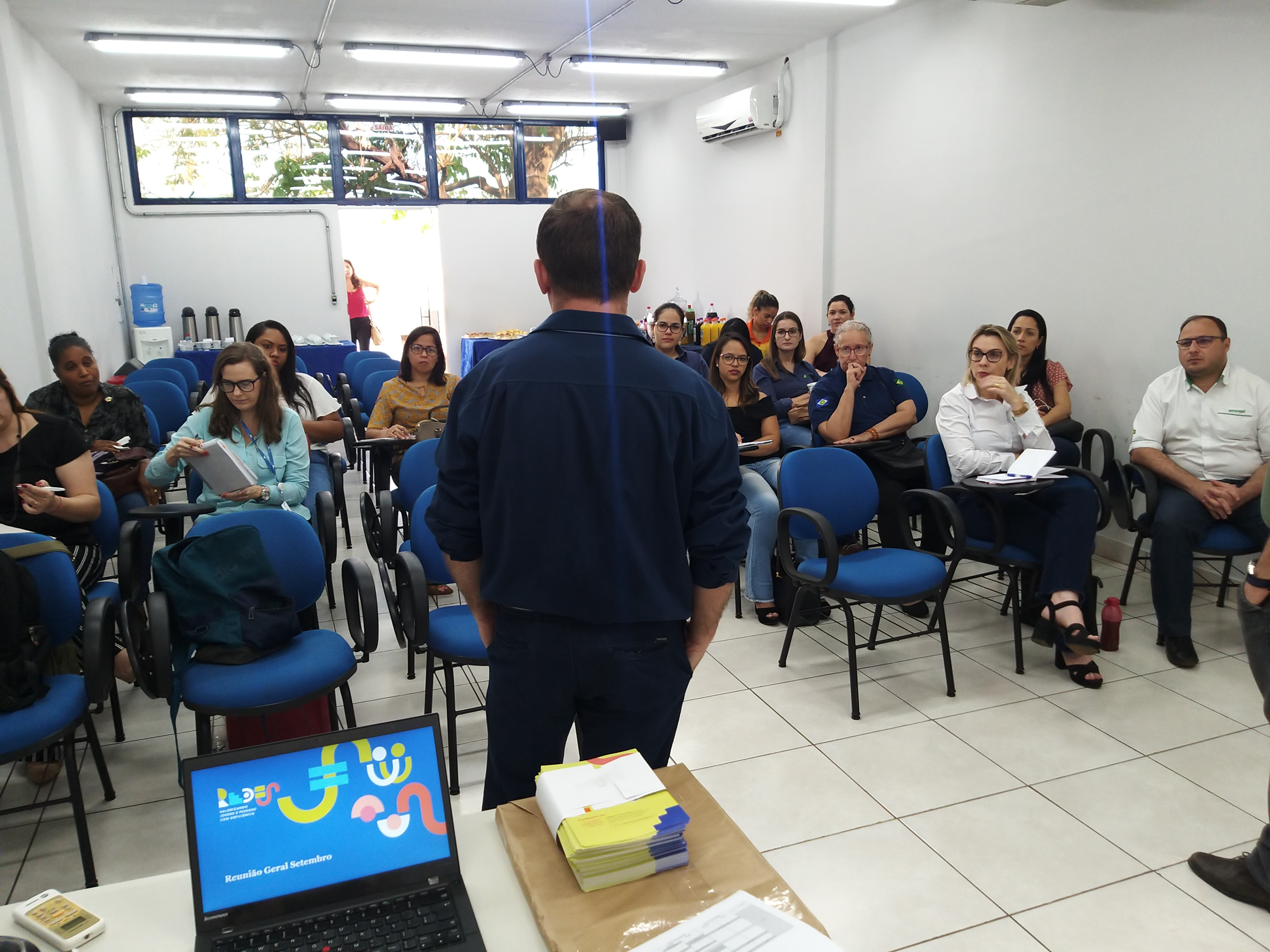 Foto da equipe na reunião Geral de Setembro